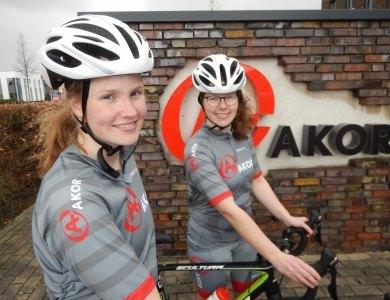 Foto bij:Sponsoring van Team Baan op Alpe d'HuZes