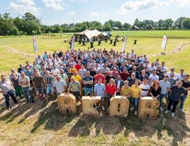 Foto bij:Alle AKOR-collega's in het zonnetje!