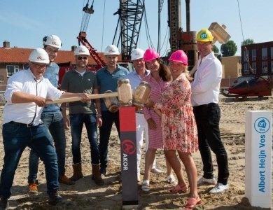 Foto bij:Palen slaan voor start bouw AH Schipholweg Haarlem!