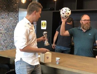 Foto bij:Frank Baan winnaar EK-voetbal-poule!